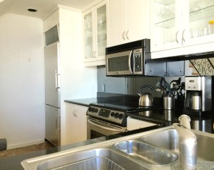600-harbor-blvd-1001-kitchen